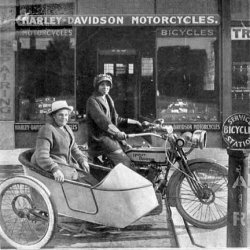 Women in Motorcycle History - Effie Hotchkiss